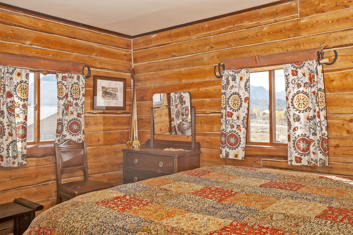 These Two Rooms Have A King Sized Bed Private Bathroom With Heated Floor And Sawtooth Mountain Views Out Each Window
